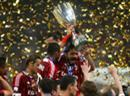 Die «Rossoneri» feiern den Pokalgewinn.