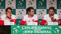 Roger Federer, Coach Severin Lüthi und Stan Wawrinka an der heutigen Pressekonferenz.
