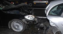 An den beiden Autos entstand Totalschaden.