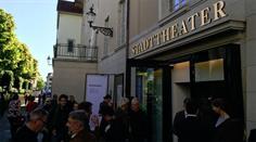 Eröffnung im Stadttheater.