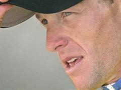 Lance Armstrong ist noch fit im Sattel.