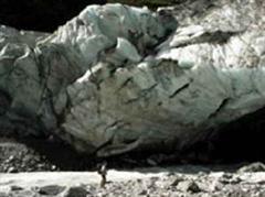 Stefan Winkler am Gletschertor des Franz-Josef-Glacier.