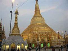 Die Demonstranten hatten sich an der berühmten Shwedagon-Pagode zum Gebet versammelt.