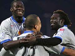 Basels Felipe Caicedo, Eduardo und Papa Malick Ba jubeln nach dem 0:1.
