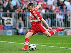 Bayerns Franck Ribery trifft zum 4:1.