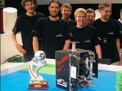 Das HSR-Team «Dynamo» gewann an der Eurobot 2009 die Bronzemedaille.