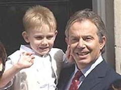 Tony Blair mit Sohn Leo.