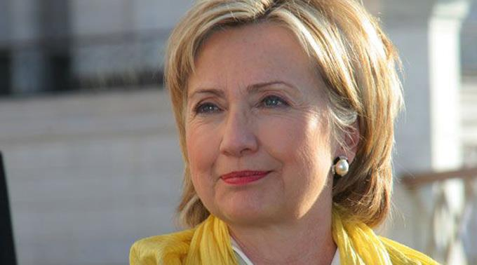 Clinton hält Obama den Rücken frei. (Archivbild)