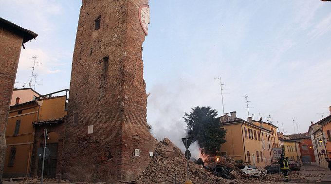 Mindestens 25 Menschen kamen bei den schweren Erdbeben in Italien ums Leben.