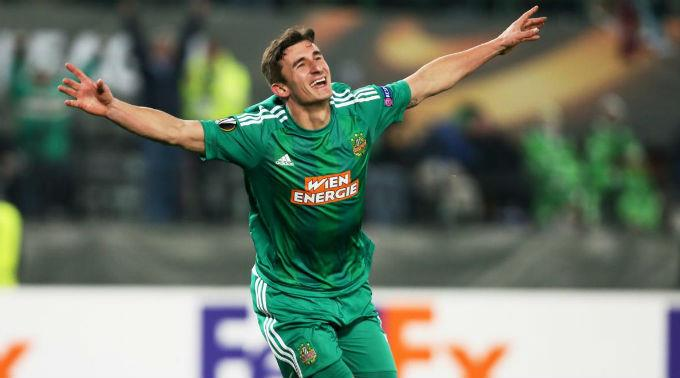 Rapids Matej Jelic jubelt nach seinem Treffer zum 2:0.