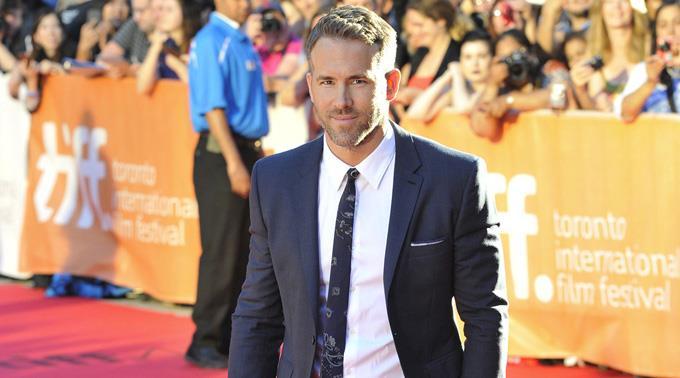 Ryan Reynolds überrascht Blake Lively gerne.